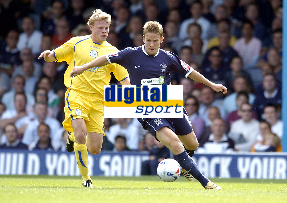Photo: Olly Greenwood.<br />Southend United v Sheffield Wednesday. Coca Cola Championship. 09/09/2006. Southend's Freddy Eastwood and Sheffield's Marcus Tudgay