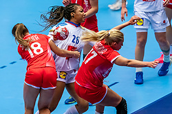 Pauletta Foppa of France, Daria Samokhina of Russia, Vladlena Bobrovnikova of Russia  in action during the Women's EHF Euro 2020 match between France and Russia at Jyske Bank BOXEN on december 11, 2020 in Kolding, Denmark (Photo by RHF Agency/Ronald Hoogendoorn)