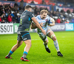 Antonie Claassen of Racing 92 under pressure from Nicky Smith of Ospreys<br /> <br /> Photographer Simon King/Replay Images<br /> <br /> European Rugby Champions Cup Round 3 - Ospreys v Racing 92 - Saturday 7th December 2019 - Liberty Stadium - Swansea<br /> <br /> World Copyright © Replay Images . All rights reserved. info@replayimages.co.uk - http://replayimages.co.uk