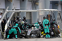 HAMILTON lewis (gbr) mercedes gp mgp w06 action<br /> changement de pneus tires change during 2015 Formula 1 FIA world championship, Malaysia Grand Prix, at Sepang from March 27th to 30th. Photo Eric Vargiolu / DPPI