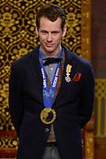 Officiele Huldiging van de Olympische medaillewinnaars Sochi 2014 / Official Ceremony of the Sochi 2014 Olympic medalists.<br /> <br /> Op de foto:  Stefan Groothuis krigt de onderscheiding van Ridder in de Orde van Oranje-Nassau