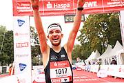 Marathon: Haspa Hamburg 2021, Hamburg, 12.09.2021<br /> Jubel von Benjamin Franke <br /> © Torsten Helmke