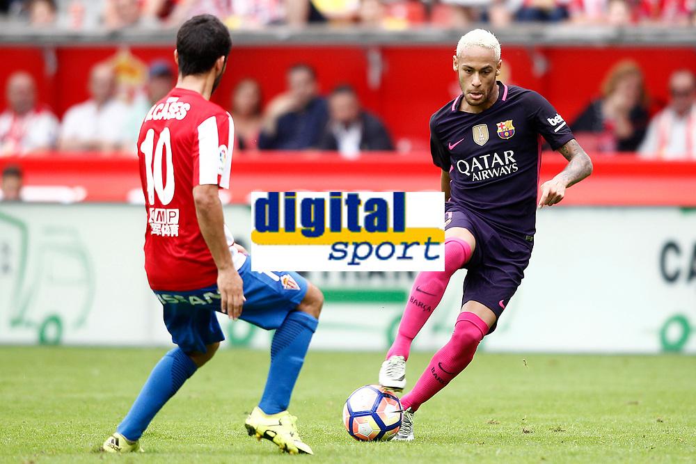 Sporting de Gijon's Nacho Cases (l) and FC Barcelona's Neymar Santos Jr during La Liga match. September 24,2016. (ALTERPHOTOS/Acero)