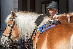 20.03.2014, Salzburg, AUT, Stadtansicht Salzburg, im Bild Eine Kutscher wartet mit seinem Pferdegespann vor dem Fiaker auf Touristen // a Cityscape of Salzburg, Austria on 2014/03/20. EXPA Pictures © 2014, PhotoCredit: EXPA/ Freshfocus/ Andy Mueller<br /> <br /> *****ATTENTION - for AUT, SLO, CRO, SRB, BIH, MAZ only*****