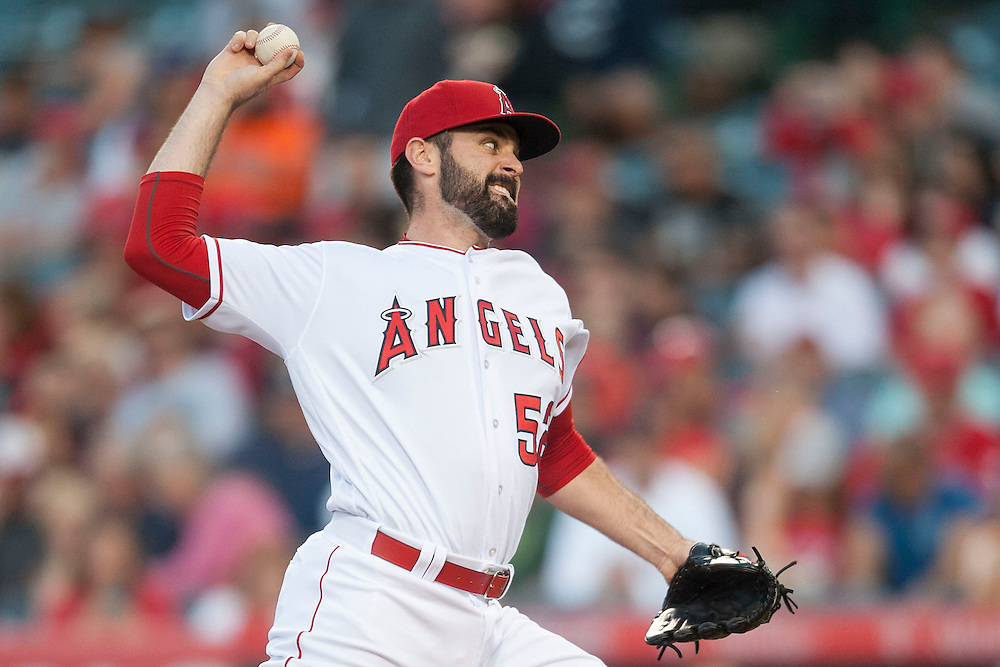Angels' starting pitcher Matt Shoemaker throws against the Houston Astros Friday night at Angel Stadium.<br /> <br /> ///ADDITIONAL INFO:   <br /> <br /> angels.0528.kjs  ---  Photo by KEVIN SULLIVAN / Orange County Register  -- 5/27/16<br /> <br /> The Los Angeles Angels take on the Houston Astros Friday at Angel Stadium.