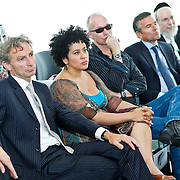 NLD/Den Haag/20100906 - Start Alfabetiseringsweek met installatie forum A tot Z, Paul Rosenmoller, Tania Kross, Paul van Loon, Huub van Doorne en rabbijn Raphael Evers