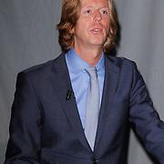 NLD/Hilversum/20120523 - Perspresentatie NOS Sportzomer 2012, Algemeen directeur NOS Jan de Jong