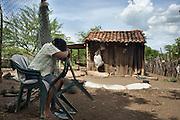 Maria Ufenia Saldalla Errera, moglie del Moncho, riposa all'ombra mentre aspetta suo marito di ritorno da Managua.<br /> <br /> 22 maggio  2016 . Daniele Stefanini /  OneShot