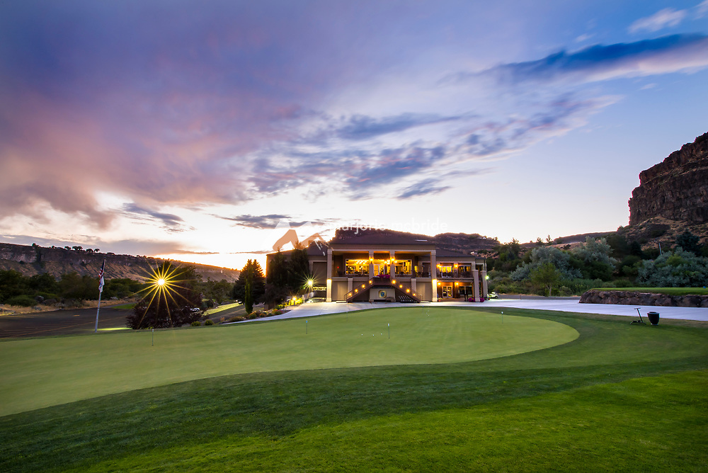 Sunset at Blue Lakes Country Club in the Snake River Canyon, Twin Falls, Idaho.