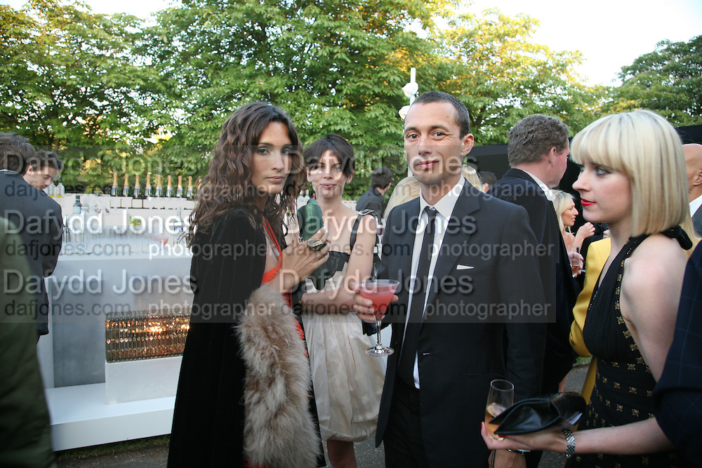 ASTRID MUNOZ, LIBERTY ROSS AND DAN MACMILLAN, The Summer Party in association with Swarovski. Co-Chairs: Zaha Hadid and Dennis Hopper, Serpentine Gallery. London. 11 July 2007. <br />