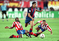 Fotball<br /> Spania 2003/2004<br /> Barcelona<br /> Michael Reiziger<br /> Musampa og Sergi - Athletico Madrid<br /> Foto: Digitalsport<br /> Norway Only