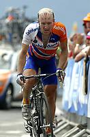 CYCLING - TOUR DE FRANCE 2004 - STAGE 13 - LANNEMEZAN > PLATEAU DE BEILLE - 17/07/2004 - PHOTO : NICO VEREECKEN / DIGITALSPORT<br /> LEVI LEIPHEIMER (USA) / RABOBANK