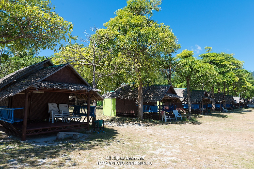 Varin Village bungalows for backpackers on Sunrise beach, Ko Lipe, Thailand