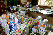 Belo Horizonte_MG, Brasil...Escola Estadual Pascoal Comanducci, localizada no bairro Jaqueline em Belo Horizonte, Minas Gerais. Na foto livros escolares...Pascoal Comanducci State School in Jaqueline neighborhood in Belo Horizonte, Minas Gerais. In this photo some schoolbooks...Foto: VICTOR SCHWANER / NITRO