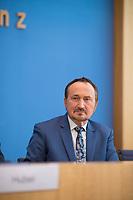 DEU, Deutschland, Germany, Berlin, 15.05.2019: Manfred Todtenhausen (FDP) in der Bundespressekonferenz anlässlich der Vorstellung des Jahresberichts 2018 des Petitionsausschusses.