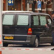 Moord Theo van Gogh Linnaeusstraat Amsterdam, politie, afzetting, lijkwagen,