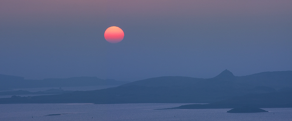 Foggy Sunset Panorama with view on Valentia Island Lighthouse, County Kerry, ireland / ch220