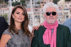 May 18, 2019 - Cannes, Provence-Alpes-Cote d'Azu, France - 72eme Festival International du Film de Cannes. Photocall du film ''Douleur et Gloire''. 72th International Cannes Film Festival. Photocall of ''Dolor y gloria'' movie....239401 2019-05-18 Provence-Alpes-Cote d'Azur Cannes France.. Cruz, Penelope; Almodovar, Pedro (Credit Image: © Philippe Farjon/Starface via ZUMA Press)