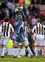 Photo: Jed Wee.<br />Sunderland v Newcastle United. The Barclays Premiership. 17/04/2006.<br /><br />Newcastle's Shay Given celebrates at the final whistle.