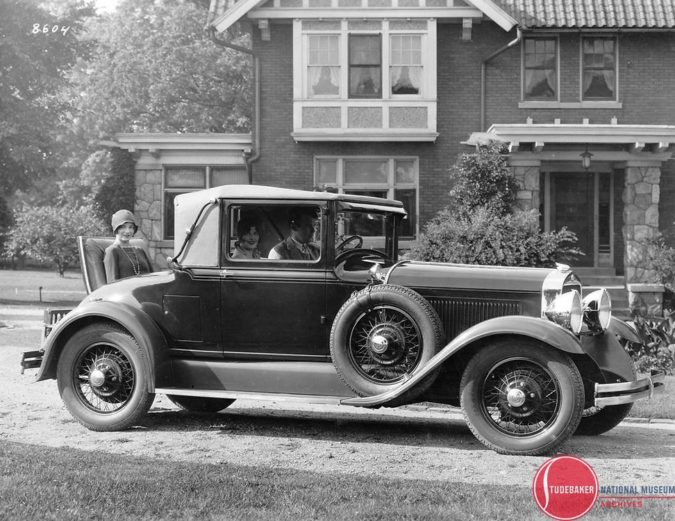 1928 Studebaker President Cabriolet.