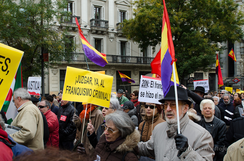 People asking for a trial against francoism during the demonstration for the historical memory held in Madrid.
