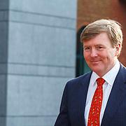 NLD/Den Haag/20150316 - Koning Willem - Alexander onthult gerestaureerde glazen koets<br /> <br /> King Willem-Alexander unveils restored glass carriage<br /> <br /> Op de foto: aankomst Koning Willem - Alexander