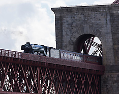 Fyling Scotsman crosses Forth Bridge | North Queensferry | 14 May 2017