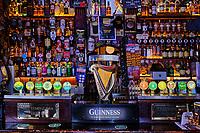 République d'Irlande, Dublin, quartier de Temple Bar, le Pub Temple Bar // Republic of Ireland; Dublin, the touristic Temple Bar area, the Temple Bar pub