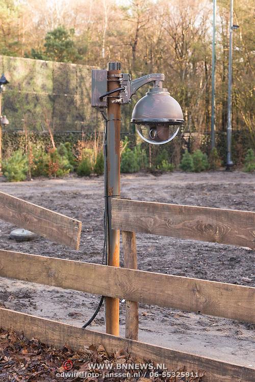 NLD/Bussum/20131219 - Perspresentatie nieuwe real life soap Utopia, Camera's