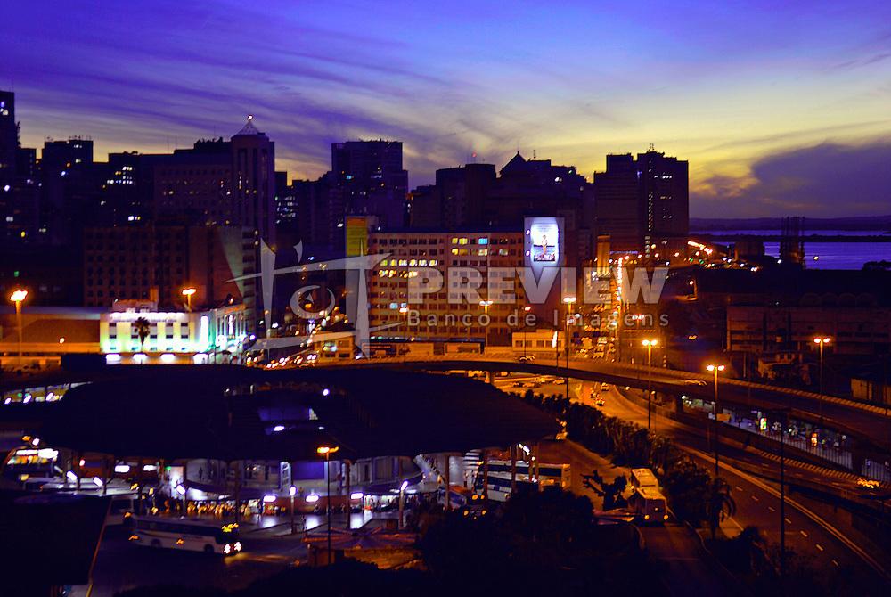 Vista aérea da Rodoviária de Porto Alegre à noite.FOTO: Alfonso Abrahan/Preview.com
