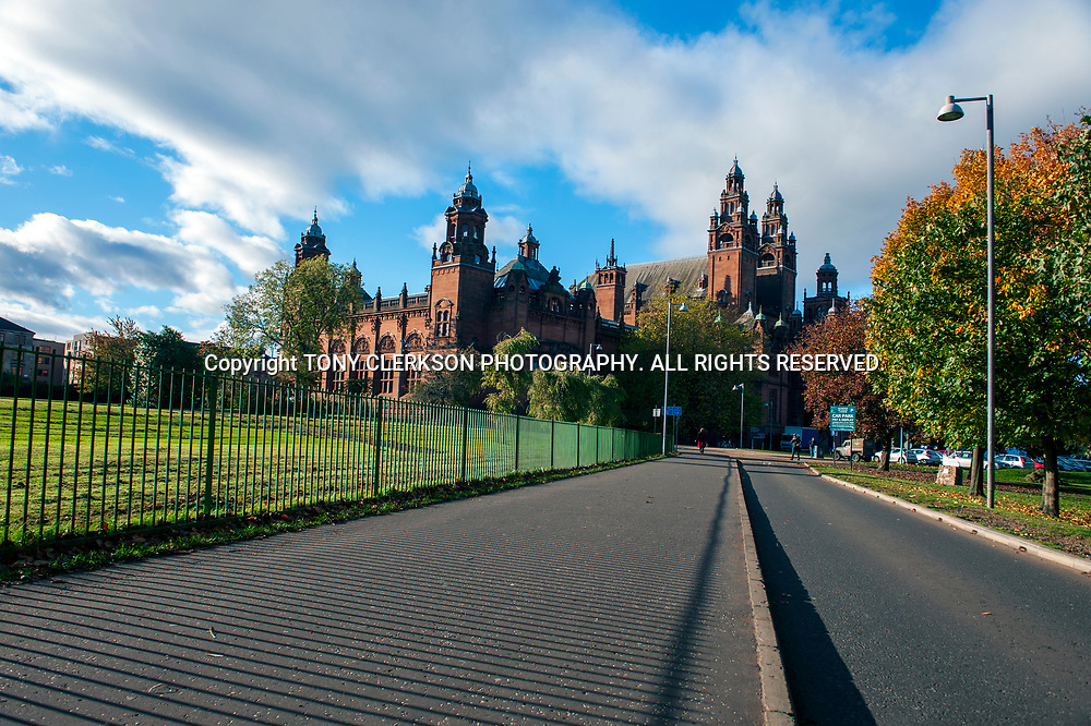 The iconic gallery and museum amidst vivid autumn colours