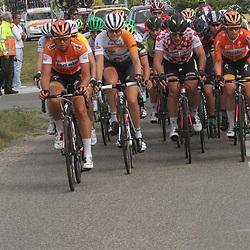 TIEL (NED) wielrennen     <br /> Chantal Blaaak (links) is na vijf dagen de leidster in de Holland Ladies Tour. De renster uit Berkel en Rodenrijs begint zondag als leidster aan de sloteappe door Limburg met 11 seconden voorsprong op Ellen van Dijk