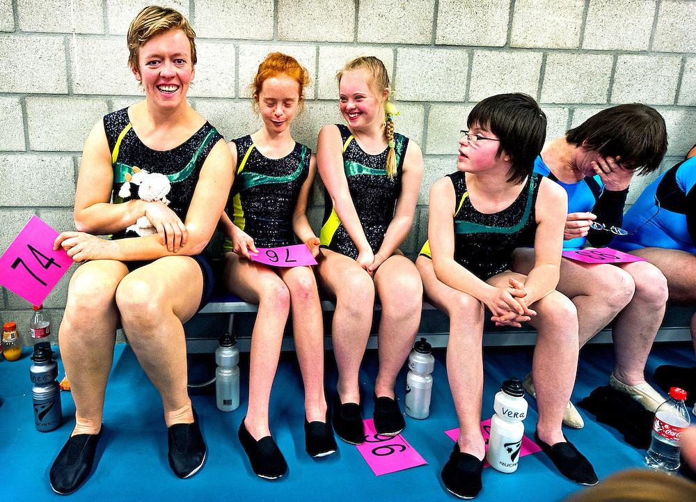 Nederland, Den Bosch, 02-06-2012.<br /> Special Olympics, Spelen voor geestelijk gehandicapten.<br /> Turnen, Vrouwen. Wachten op je beurt.<br /> Foto : Klaas Jan van der Weij