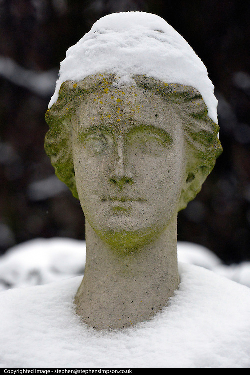 © Licensed to London News Pictures. 19/01/2013. Kew, UK A statue at Chiswick House today 19th January 2013. More cold weather and snow are expected over the coming days.  Photo credit : Stephen Simpson/LNP