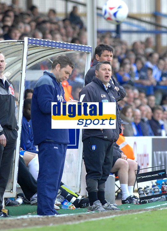 Photo: Ashley Pickering.<br />Colchester United v Norwich City. Coca Cola Championship. 31/03/2007.<br />Colchester manager Geraint Williams (R) watches play