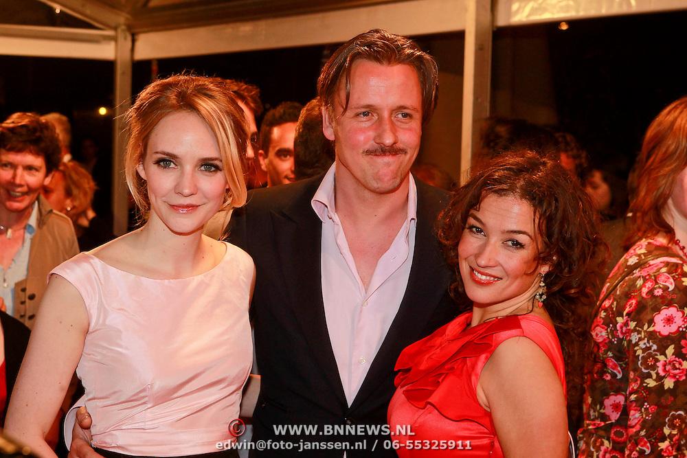 NLD/Den Haag/20110406 - Premiere Alle Tijden, Bracha van Doesburg, partner Daan Schuurmans en Katja Schuurman