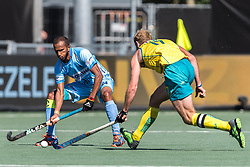 (L-R) Sunil Sowmarpet Vitalacharya of India, Aran Zalewski of Australia during the Champions Trophy finale between the Australia and India on the fields of BH&BC Breda on Juli 1, 2018 in Breda, the Netherlands.