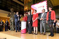 26 OCT 2019, BERLIN/GERMANY:<br /> Lars Klingbeil, SPD Generalsekretaer, Malu Dreyer, SPD, Ministerpraesidentin Rheinland-Pfalz, Olaf Scholz, SPD, Bundesfinanzminister, Klara Geywitz, SPD Brandenburg, Norbert Walter-Borjans, SPD, Landesminister a.D., Saskia Esken, MdB, SPD,  (v.L.n.R.), wahrend der Bekanntgabe der SPD-Mitgliederbefragung  zur Wahl des neuen Parteivorsitzes, Willy-Brandt-Haus<br /> IMAGE: 20191026-01-043<br /> KEYWORDS: Verkündung, Verkündung