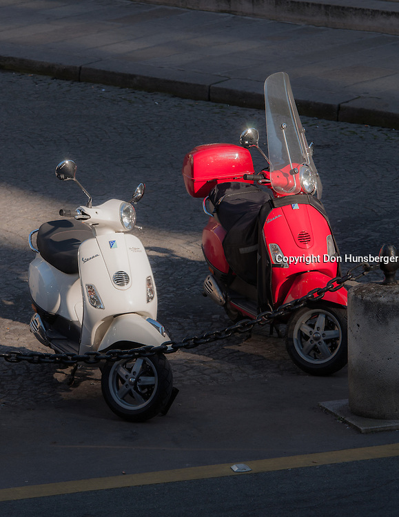 Odeon, Paris, Paris scooter, Vespa