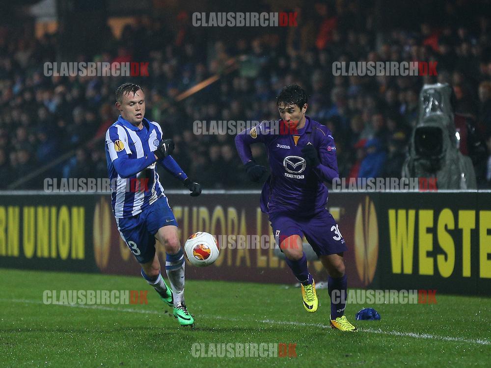 Ryder Matos (Fiorentina) presses af Peter Ankersen (Esbjerg).