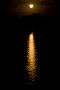 Ibiai_MG, Brasil...Luz da lua no rio Sao Francisco...The moonlight in Sao Francisco river...Foto: LEO DRUMOND / NITRO