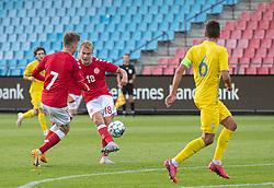 Mads Emil Madsen (Danmark) afslutter under U21 EM2021 Kvalifikationskampen mellem Danmark og Ukraine den 4. september 2020 på Aalborg Stadion (Foto: Claus Birch).
