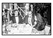 Warren Beatty, Jack Nicholson & Isobel Goldsmith at Swifty Lazar's Oscar Night party. Spago. Los Angeles. March 1990.<br /> <br /> © Copyright Photograph by Dafydd Jones<br /> 66 Stockwell Park Rd. London SW9 0DA<br /> Tel 0171 733 0108<br /> Film. 90231/26