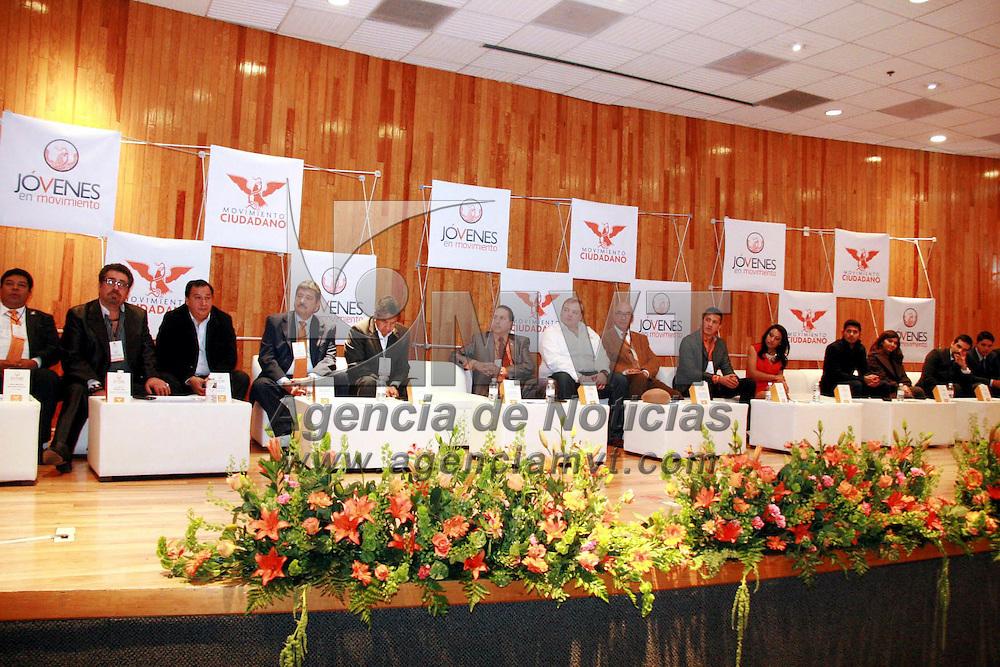 Toluca, México.- Dante Delgado Ranauro, coordinador nacional operativo de Movimiento Ciudadano, en el marco de la toma de protesta de la estructura juvenil, señalo que este partido en el Estado de México  está trabajando en su organización interna en todas las áreas, se está consolidando la organización operativa en los municipios mexiquenses. Agencia MVT / José Hernández
