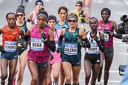 NYC Marathon, Buzunesh Deba, Valeria Straneo leads pack