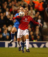 Fotball<br /> UEFA Champions League 2003/2004<br /> 04.11.2003<br /> Foto: Digitalsport<br /> Norway Only <br /> <br /> MANCHESTER UNITED v RANGERS <br /> CHAMPIONS LEAGUE 04/11/03 <br /> PHOTO TIM PARKER<br /> DIEGO FORLAN MANCHESTER UNITED & HENNING BERG RANGERS