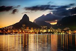 """A Lagoa Rodrigo de Freitas representa uma das principais atrações turísticas da cidade do Rio de Janeiro. É conhecida como """"O Coração do Rio de Janeiro"""", devido a seu formato semelhante a um coração. É um bairro de classes média-alta e possui um dos maiores índices de desenvolvimento humano do país. FOTO: Jefferson Bernardes/Preview.com"""