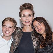NLD/Hilversum/20170905 - Perspresentatie Meisjes van Plezier, Angela Schijf, David Rebergen en Iris van der Made