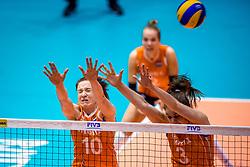 05-06-2018 NED: Volleyball Nations League Netherlands - Dominican Republic, Rotterdam<br /> Netherlands win in straight sets 3-0 / Lonneke Sloetjes #10 of Netherlands, Yvon Belien #3 of Netherlands