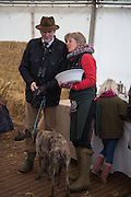SIMON LAURENCE; LUCY MORRIS, Heythrop Point to Point. At a  new course at Cocklebarrow near Aldsworth. 11 January 2014